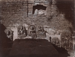 Small statues in the temple at Ghenjam.